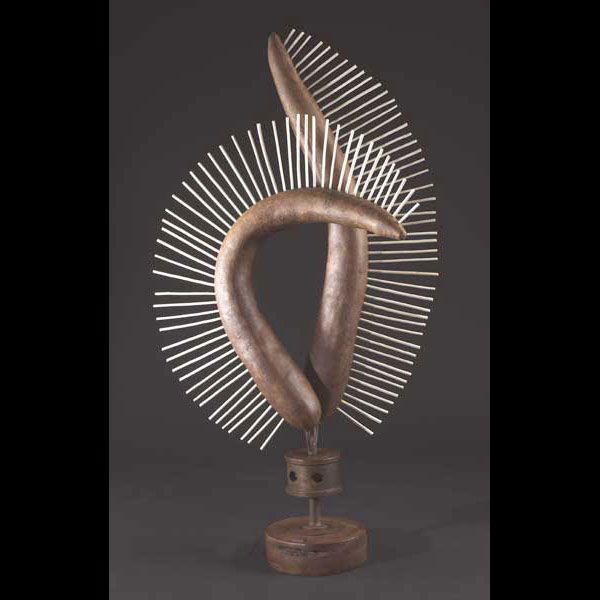 sculpture en fer rouillé et bois Factaïdes de Patrick Vogel, sculpteur